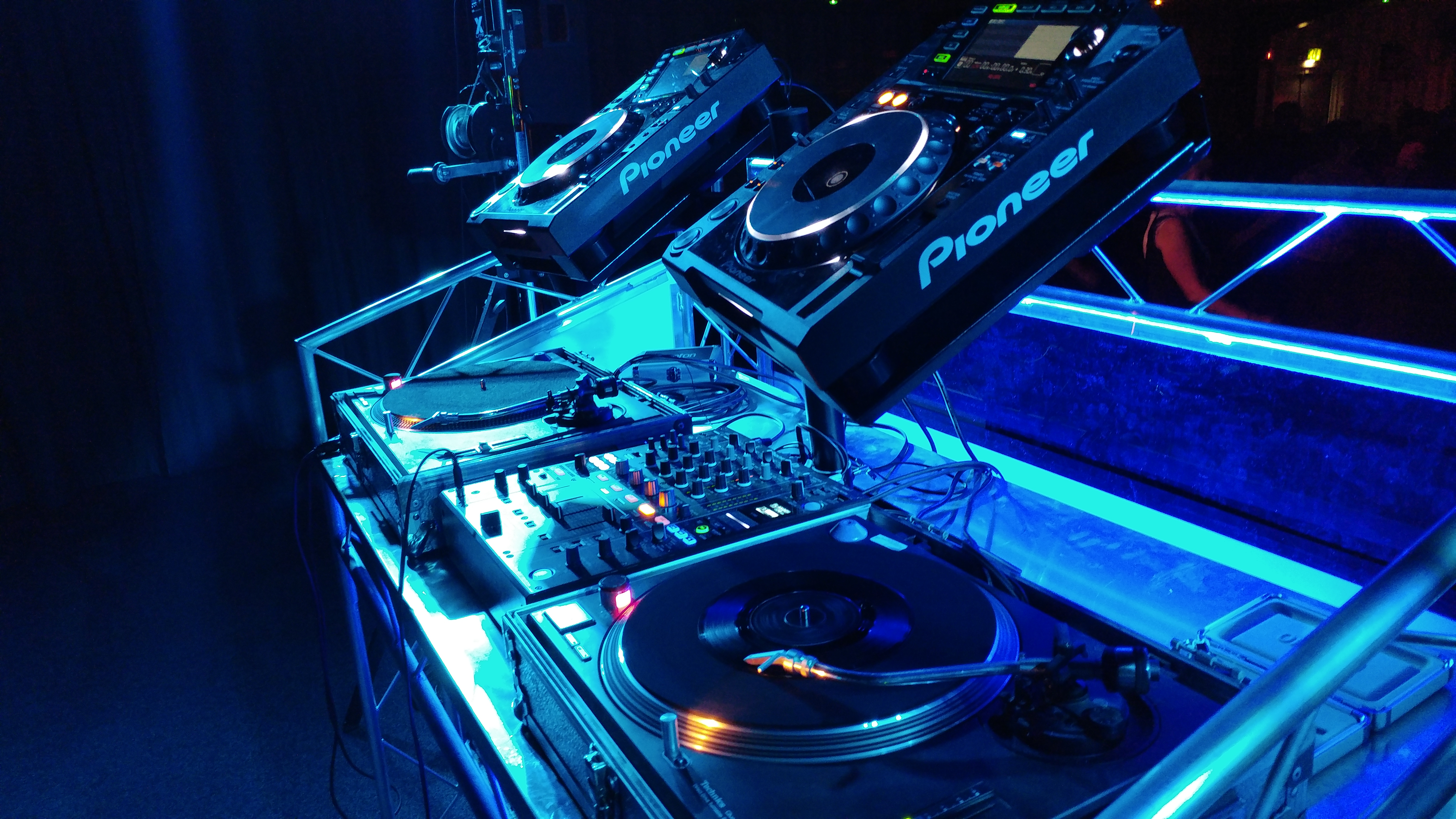 System Hire With Turntables & CDJs